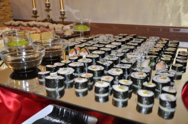 Szwedzki stół z sushi - Kliknięcie spowoduje wyświetlenie powiększenia zdjęcia