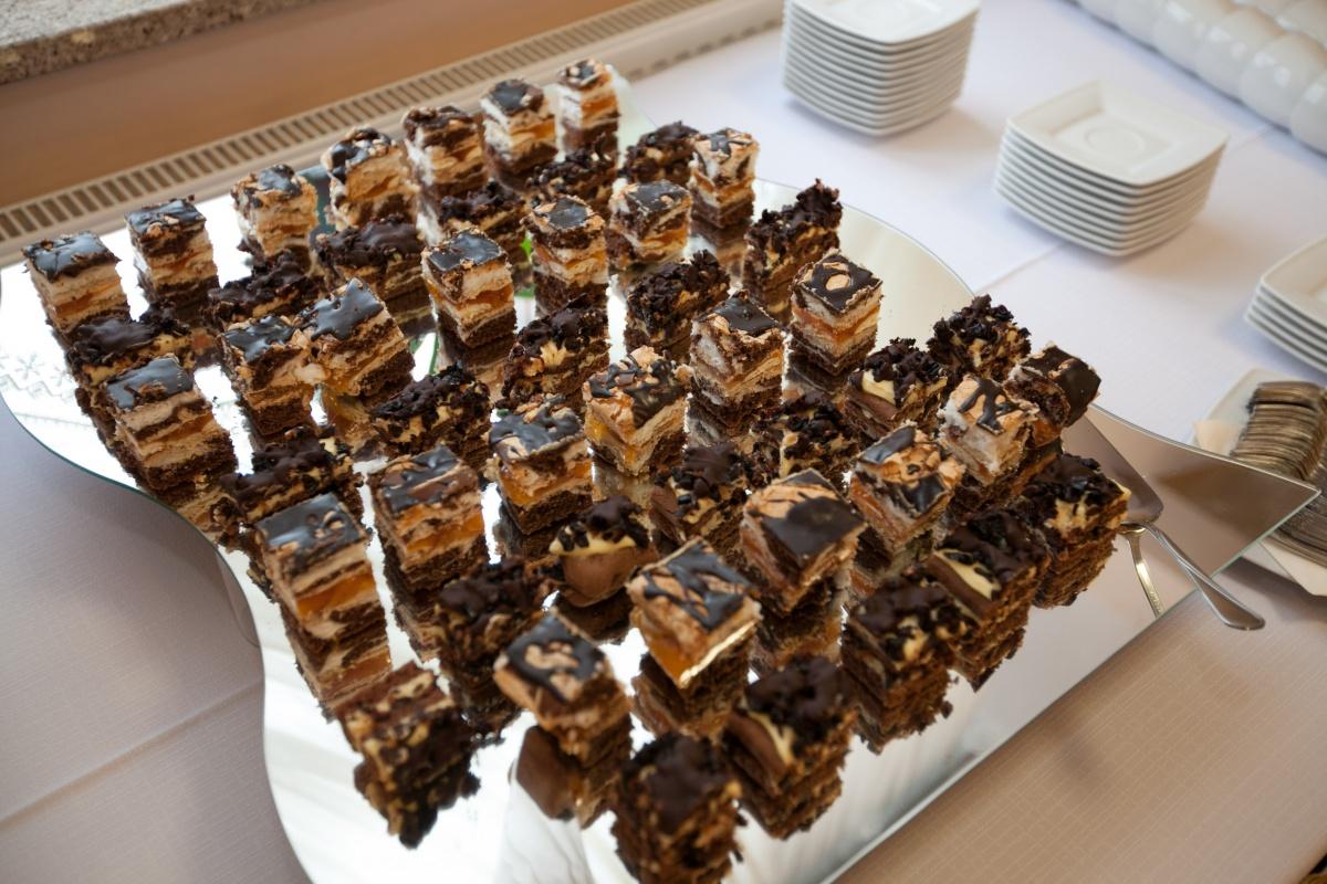 patera z ciastami - Kliknięcie spowoduje wyświetlenie powiększenia zdjęcia