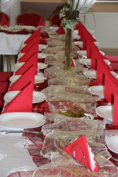 Stół nakryty do stołu - Kliknięcie spowoduje wyświetlenie powiększenia zdjęcia